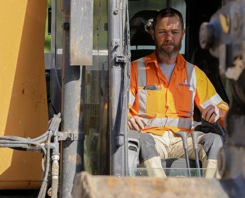 1500 x 630 Excavator Operator
